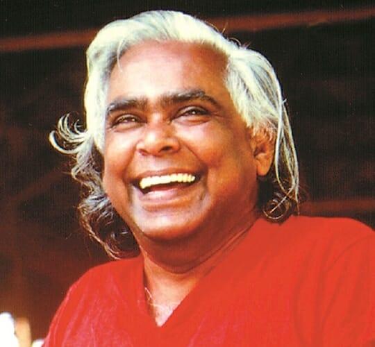 "<div style=""line-height: 1.3; color: #CD482F; font-family: catamaran; "">Puja - Jalasamadhi de Swami Vishnudevananda</span></div>"