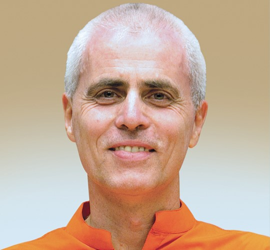 "<div style=""line-height: 1.3; color: #b04640; font-family: catamaran;"">Hatha Yoga Inspirations 4<span style=""display: inline-block;""> avec Swami Sivadasananda</span></div>"