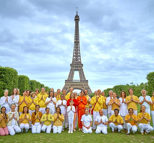 "<div style=""line-height: 1.3; color: #b04640; font-family: catamaran;"">Journée Internationale du Yoga</div>"